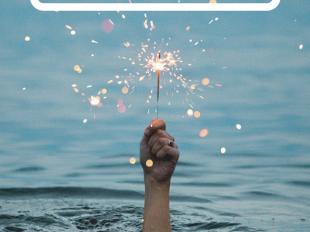 Wunderkerze im Wasser